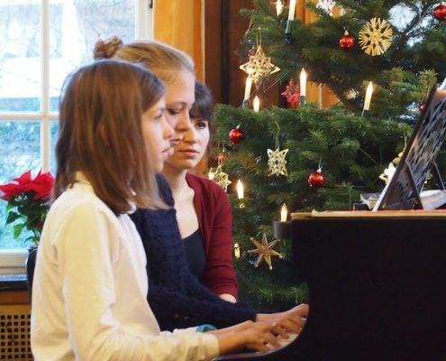 Klavier an Weihnachten